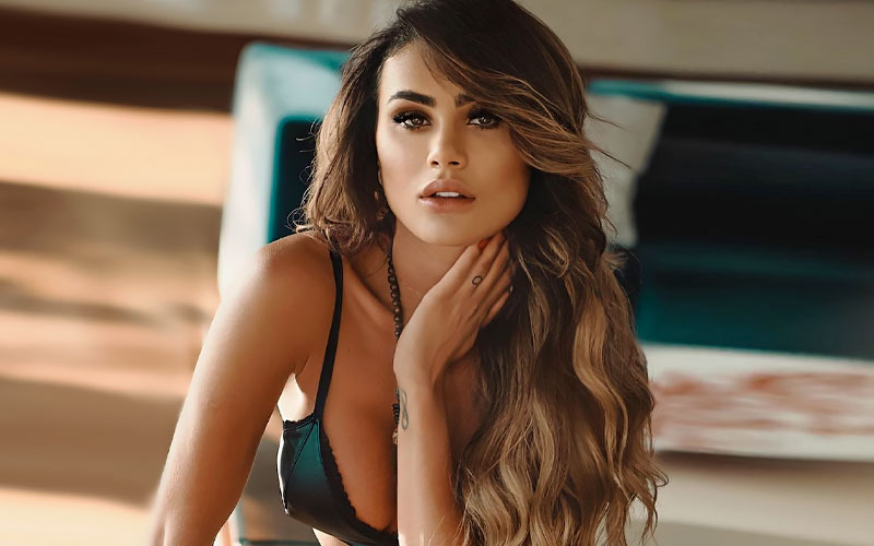 beautiful puerto rican girl in bra